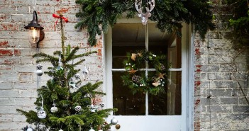 December 2015 - Front Doors & Hallways - Issue 246