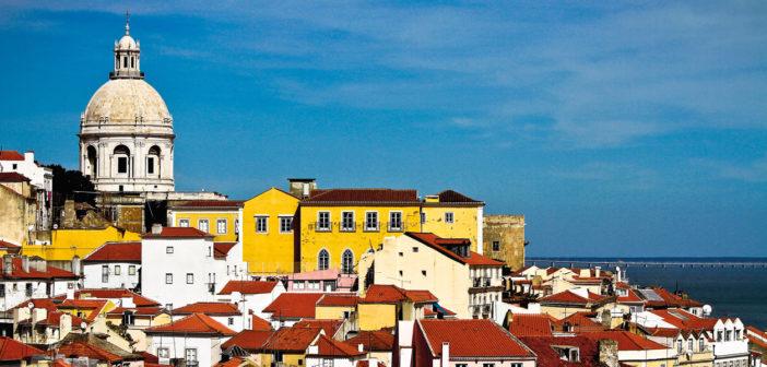 Destination Abroad: Lisbon - April 2017 - Issue 262