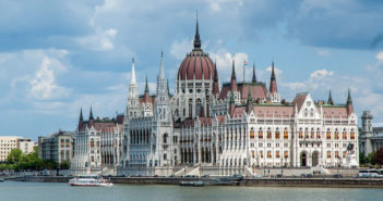 Destination Abroad: Budapest - November 2017 - Issue 269