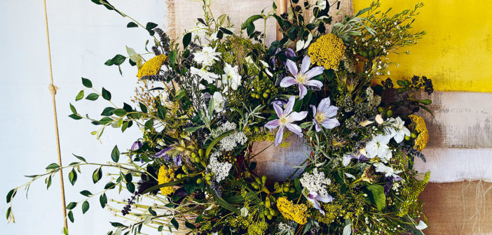 Spring Wreaths - April 2018 - Issue 274