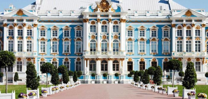 Destination Abroad: St Petersburg - December 2018 - Issue 282