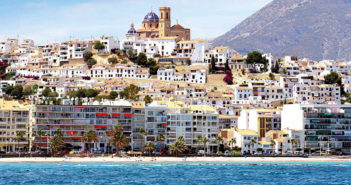 Destination Abroad: Altea - April 2019 - Issue 286