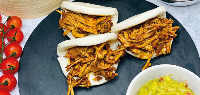 Slowcooker Indian Style Pulled Pork, Bao Buns & Guacamole